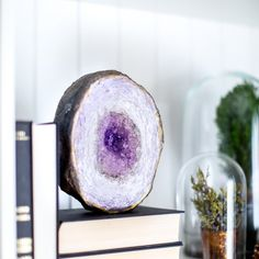 Learn how to make this gorgeous geode rock with an easy to follow step by step picture tutorial.