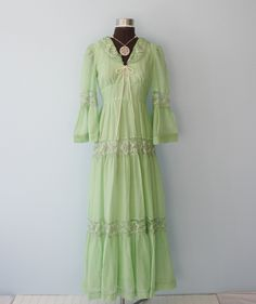 1970s Green Romantic PEASANT Dress, bell sleeves, lace details