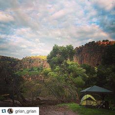 Perfecto para este fin de semana. Repost @grian_grian with @repostapp.  #camping #ahchihuahua #mexico #chihuahuamexico #vivamexico #roadtrip #rainyday #rainbow #JuarenZe #nature #naturaleza #natureatitsbest #elpasotx #juarezmx #juarezmexico #MataOrtiz #landscape por ahchihuahua en Instagram http://ift.tt/1IRGauP #navitips