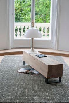 Modèle : TapisSOUND Fabrication :Tissé main Matière : Laine et soie végétale Couleur:Anthracite Dimensions (cm):170×240 – 200×300 Ce tapis est égalem