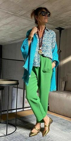 Fashion Colours, Colorful Fashion, Love Fashion, Color Blocking Outfits, Eccentric Style, Over 50 Womens Fashion, Weekend Wear, Colourful Outfits, Stylish Outfits