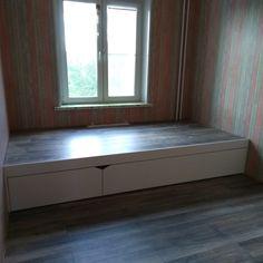 Кровать подиум белая