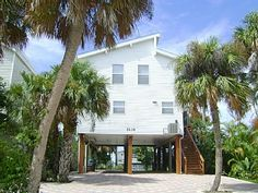 The Sand Dollar Breeze Vacation Rental in Fort Myers Beach from @homeaway! #vacation #rental #travel #homeaway