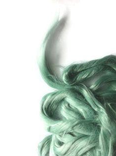 Ramie Roving : Ramie fibers in tones of misty green called Frog