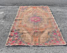 Welcome to Turkish Rug Star by turkishrugstar on Etsy Rustic Rugs, Floral Rug, Pink Rug, Turkish Kilim Rugs, Small Rugs, Hand Knotted Rugs, Floor Rugs, Vintage Rugs, Bohemian Rug