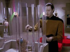 """Season 3 - Episode 21 """"The Most Toys"""" Data feeds a weird thing"""