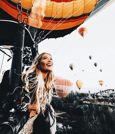 Fotoshooting Hot air balloon ride How to shop for jewelry and watches online These days it seems as Adventure Awaits, Adventure Travel, Oh The Places You'll Go, Places To Travel, Wanderlust, Photos Voyages, Travel Goals, Travel Hacks, Travel Style