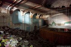 Lawndale Theatre, Chicago - 50 years since it's abandonment