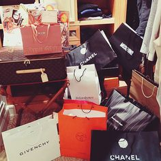Discover ideas about billionare lifestyle Shopping Spree, Go Shopping, Billionare Lifestyle, Givenchy, Birthday Goals, Luxury Lifestyle Women, Rich Lifestyle, Chanel, Luxe Life