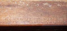 Secrétaire en placage de bois de rose marqueté en frisage, ouvrant par un tiroir en partie supérieure, un abattant et deux portes en partie basse, reposant sur quatre pieds légèrement cambrés. Estampille de Pierre-François Quéniard dit GUIGNARD, reçu maître en 1767 et poinçon de jurande JME - Epoque Transition Louis XV-Louis XVI. Compiègne, Hôtel des ventes de Compiègne, 23.01.16.