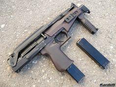 "Russian SR-2 ""Veresk"" submachine gun."