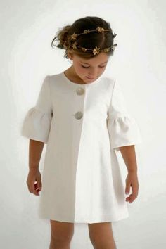 "tinamotta: "" Fonte : www.pinterest.com , Salvo de Ana Martin Source : tinamotta.tumblr.com "" Baby Girl Fashion, Kids Fashion, Fashion Outfits, Little Girl Dresses, Girls Dresses, Look Girl, Kids Coats, Baby Kind, Stylish Girl"