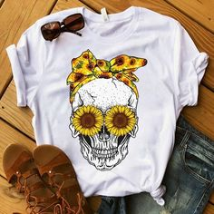 Lover Sunflower Lover Sukull T -Shirt AY – T-Shirts & Sweaters Design T Shirt, Shirt Designs, Sunflower Shirt, Sunflower Clothing, Mode Hippie, T Shirt Painting, Bandana Print, Personalized T Shirts, Custom T