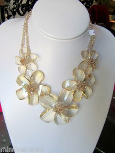 butler and wilson  CRYSTAL FLOWER  necklace champagne