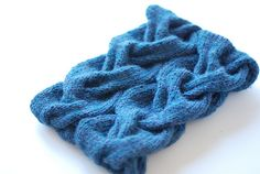 Ravelry: A Very Braidy Cowl pattern by Maryse Roudier another view  Worsted / 10 ply (9 wpi) ? Gauge 4 stitches = 1 inch Needle size US 8