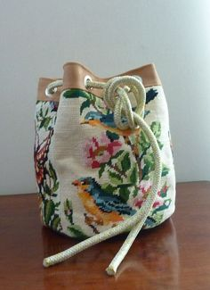 Tapestry Bag, Tapestry Crochet, Remake Clothes, Diy Sac, Embroidery Bags, Art Bag, Unique Purses, Vintage Canvas, Fabric Bags
