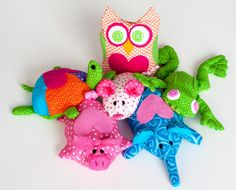Free patterns for some cute bean bag animals. Could just stuff them too!