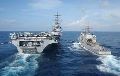 The guided-missile cruiser USS Lake Champlain (CG… Naval History, Military History, Ticonderoga Class, Uss Ronald Reagan, Navy Day, Us Navy Ships, Army Vehicles, United States Navy, Boats