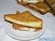 La mozzarella in carrozza al forno è una preparazione davvero semplice e adatta a tutti e tagliamo anche le calorie del fritto ;)