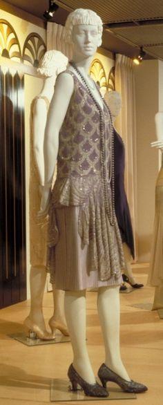 Worth Evening Dress c.1927.  http://www.mccord-museum.qc.ca
