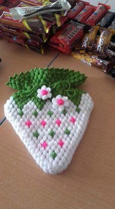 Crochet Potholders, Crochet Doilies, Crochet Flowers, Rainbow Crochet, Love Crochet, Crochet Hats, Crochet Border Patterns, Crochet Designs, Puff Stitch Crochet