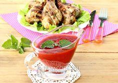 Рецепт остро-пряного клубничного соуса к мясу