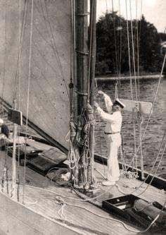 Sie gilt als eine Ikone des Segelsports und Hamburger Yachtbautradition – die HETI. Vom berühmten Yachtkonstrukteur und Werftbesitzer Max Oertz entworfen, lief sie 1912 in Hamburg-Neuhof vom Stapel.