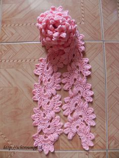 Beautiful crochet scarf...looks complicated but is really quite easy.