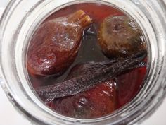 To slags syltede figner Chutney, Canning Recipes, Finger Foods, Sausage, Curry, Good Food, Food And Drink, Sweets, Snacks