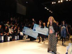 En la apertura de los desfiles del bafweek se presento el concurso santana textile y sus ganadoras. Tarrab y Troyer.