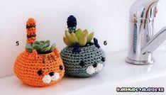 Crochet Kittens - Knit Pots For Succulents - Best Knitting Crochet Home, Crochet Gifts, Cute Crochet, Crochet Flower Patterns, Crochet Flowers, Amigurumi Patterns, Crochet Accessories, Crochet Animals, Yarn Crafts