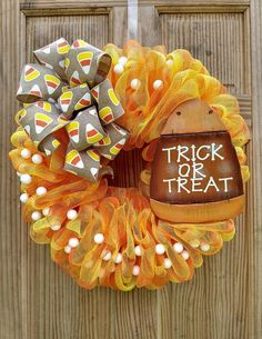 Halloween Trick Or Treat Wreath, Fall Front Door Decor, Happy Halloween Front Door Wreath, Ohio Girl Creations by OhioGirlCreations on Etsy Halloween Door Wreaths, Halloween Front Doors, Halloween Deco Mesh, Scary Halloween Decorations, Halloween Home Decor, Halloween Crafts, Halloween Stuff, Halloween Costumes, Halloween Candy