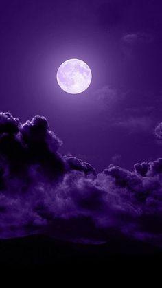 En sus días el justo brotará,y la abundancia de paz hasta que la luna ya no sea. (Salmo 72:7) SB Purple Sky, Purple Love, All Things Purple, Shades Of Purple, Purple Stuff, Deep Purple, Purple Hues, 50 Shades, Moon Beauty