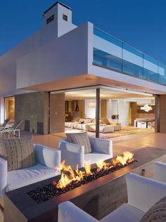 Modern home with designed outdoor patio | modernism | modern home | house | design | architecture