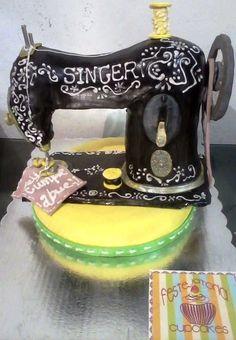 Maquina de coser  Cake by Malevolangel