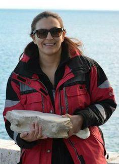 Cristina Brito da Escola de Mar e os seus ossos :-) www.escolademar.pt