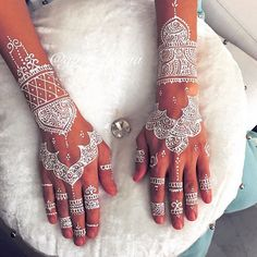 15 Gorgeously Designed Henna Tattoos with Unbelievably Intricate Patterns - My Modern Met -- idea for pattern