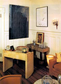 Andy Warhol's elegant and eclectic last apartment. Classic in a way that is a juxtaposition to his life and art. via photographer… Estilo Interior, Vintage Interiors, Cool Apartments, Furniture Styles, Fine Furniture, Andy Warhol, Decoration, Interior Inspiration, Interior And Exterior