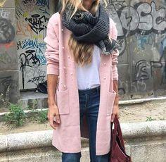 #TENDENCIAS MODA #LOWCOST   #CARDIGAN ROSA CON PERLAS   Porque las perlas estan por todas partes, no iban a ser menos las chaquetas.  Chaqueta de punto muy suave con perlas en la parte delantera. Lleva dos bolsillos delanteros.  Perfecta para completar cualquier look e ir calentita.  ¡ Te encantara !  Talla única 36/46   #jerseypunto #jerseylowcost #modalowcost#sweter #jumper #knitwear #jerseylowcost#modalowcost #girl #ootd #lookcasual#pillover #lookoftheday #shoponline#tiendademoda…