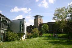 Liebighaus und Stadtmauer