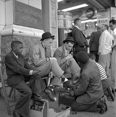 Shoeshine, New York City, 1950s, photo by Frank Oscar Larson