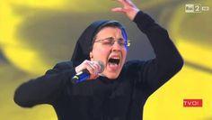 SISTER CRISTINA / Sister Cristina, alias Cristina Scuccia, a remporté la dernière édition du grand concours «The Voice of Italy». Son CD est enfin disponible à la discothèque. N'hésitez pas, elle vous convertira direct grâce à la qualité de son organe !