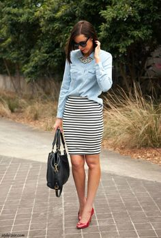 Building Your Fall Wardrobe {Chambray Shirt Today we're building your fall wardrobe by adding the chambray shirt. I love my chambray shirt! Striped Skirt Outfit, Pencil Skirt Outfits, Stripe Skirt, Business Casual Outfits, Business Fashion, Business Attire, Business Women, Fall Outfits, Fashion Outfits
