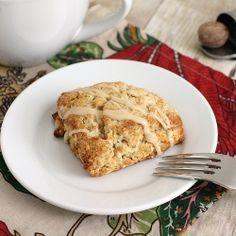 Oatmeal Nutmeg Scones with Maple Glaze