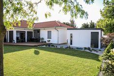 Montované záhradné domčeky na náradie | GARDEON Garage Doors, Shed, Outdoor Structures, Outdoor Decor, Home Decor, Decoration Home, Room Decor, Home Interior Design, Carriage Doors