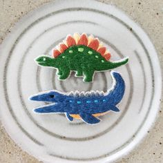 Embroidery Works, Ribbon Embroidery, Embroidery Designs, Dinosaur Fossils, Special Person, Punch Needle, Inventions, Brooches, Diy Jewelry