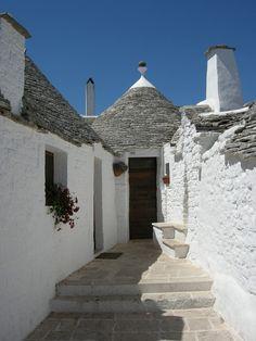 """World Heritage somehow cute. """"Alberobello"""" city of the Italian roof Tongariro  #travel"""