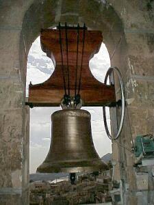 Xixona - La campana mayor, gótica, restaurada- Foto Francesc LLOP i BAYO