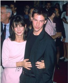 A Wealth of GIFs of Sandra Bullock and Keanu Reeves Being Adorable Keanu Reeves Speed, Keanu Reeves Young, Keanu Reeves John Wick, Keanu Charles Reeves, Larry Wilcox, Keanu Reeves Sandra Bullock, Sandra Bullock Young, Sandra Bullock Speed, Sandro