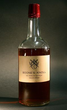 Rare Crocker Bottle Boone's Knoll Scotch whisky Over 100 Years Old - http://www.busaccagallery.com/catalog.php?catid=85&itemid=6118&page=1
